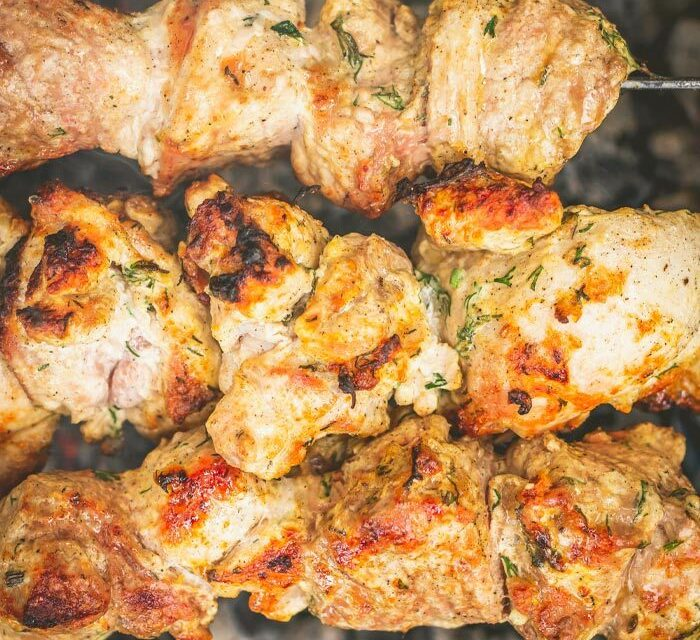 Pinchitos Morunos recipe. Chicken Skewer marinade and recipe with vermouth for the barbecue